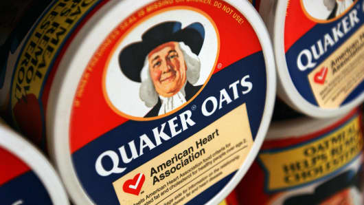 Containers of Quaker Oats oatmeal