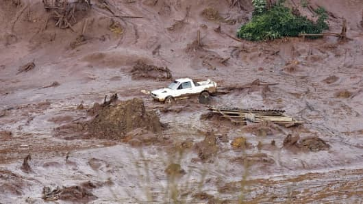 A general view where a dam burst in the village of Bento Rodrigues, in Mariana, the southeastern Brazilian state of Minas Gerais on November 6, 2015.