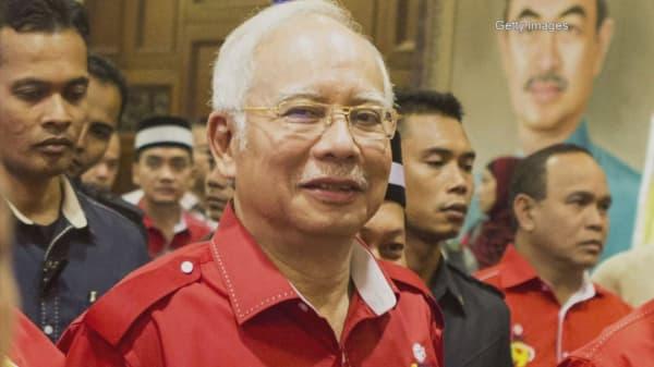 Mahathir calling to remove Malaysian PM