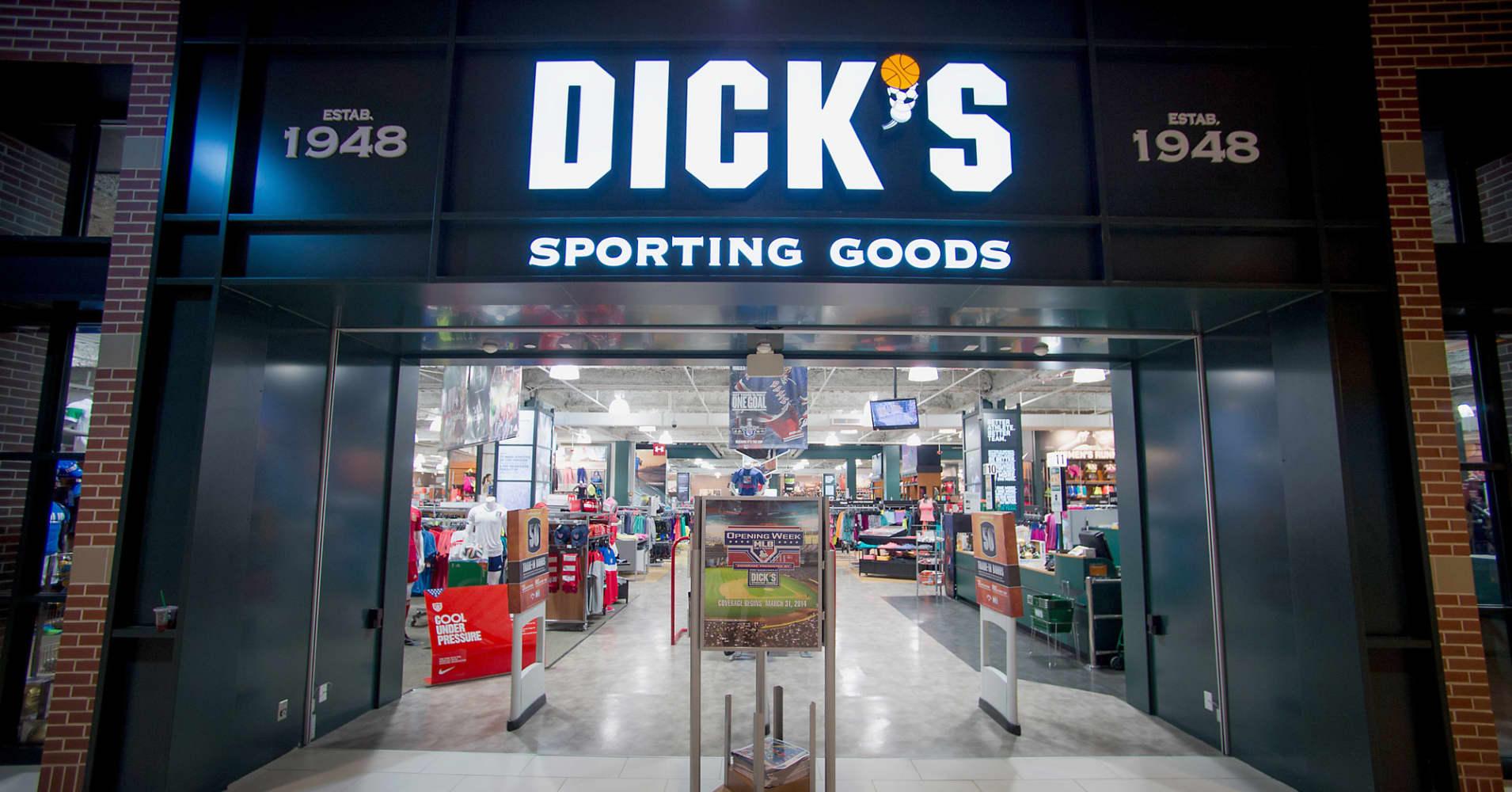 Dick S Sporting Goods To Jump 28 Oppenheimer