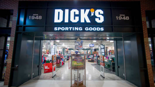 A Dick's Sporting Goods store