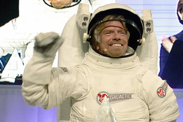 Richard Branson arrives at a news conference to announce the winner of his Virgin Galatic Sub-Orbital flight sponsored by Volvo during the the 2005 New York Auto Show, March 24, 2005.
