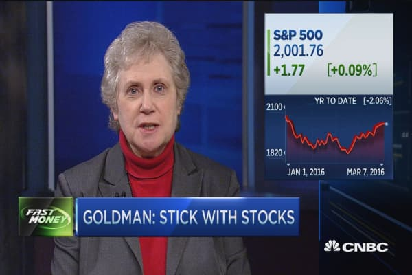 Goldman: Stick with stocks