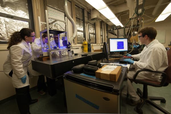 Harvey Mudd College science lab