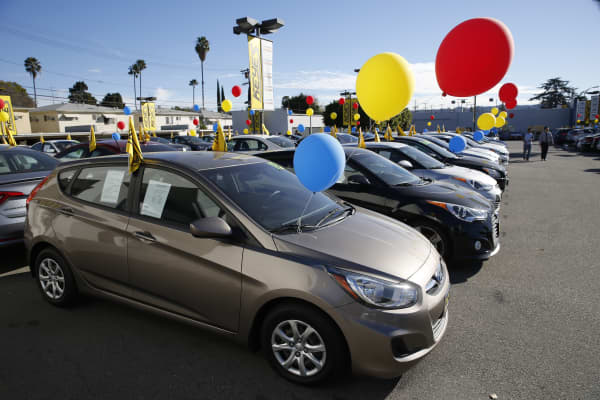 Hyundai Motor Co. vehicles sit on display for sale on the lot of the Keyes Hyundai dealership in the Van Nuys neighborhood of Los Angeles,