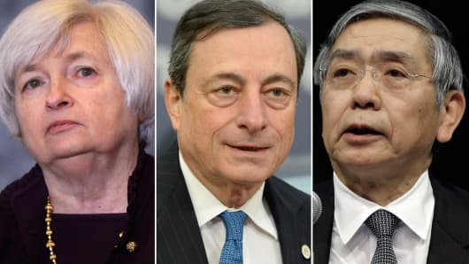 U.S. Federal Reserve Chair, Janet Yellen (l), ECB President, Mario Draghi (c) and Bank of Japan Governor Haruhiko Kuroda (r).