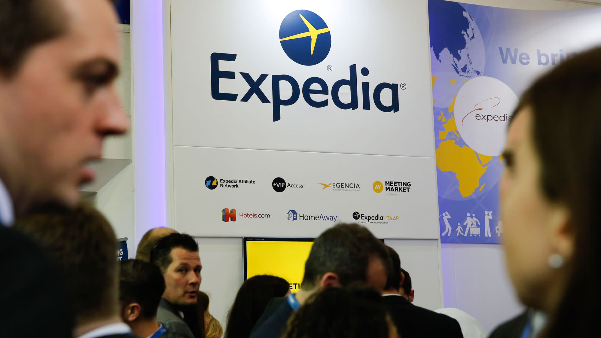 Analyst Downgrades Expedia Says Growth Trajectory Remains Uncertain