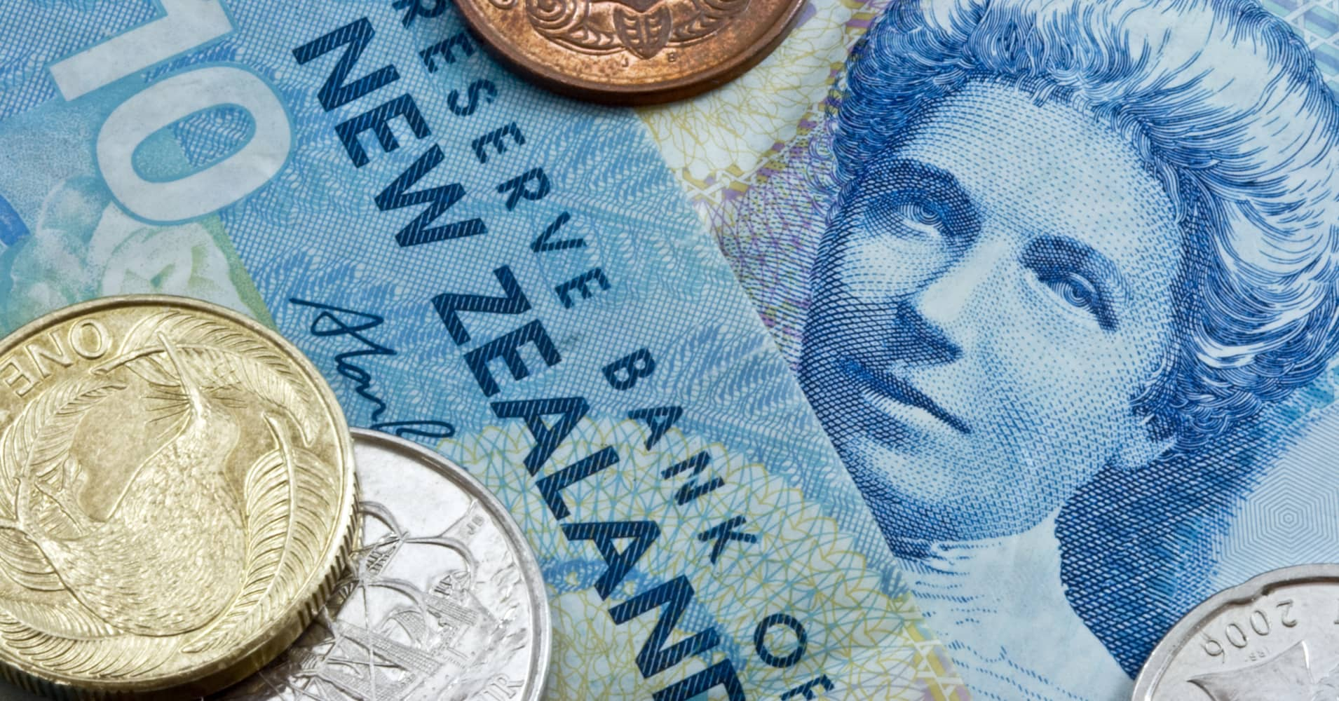 Sell the Aussie and Kiwi dollar, buy the yuan, says ANZ