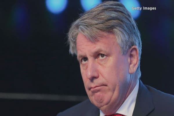 Shell cuts CEO van Beurden's pay package