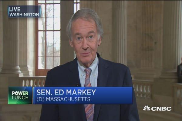 Senators speak out on airline fees