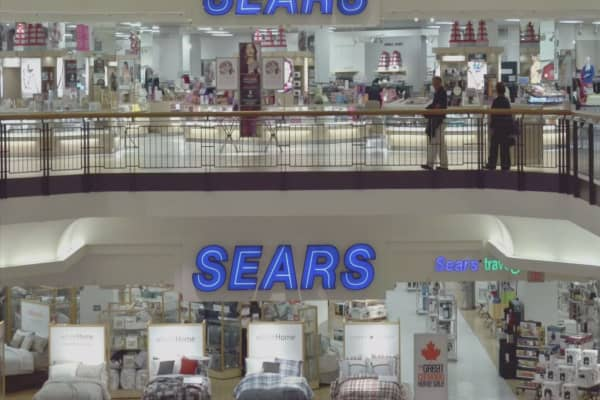 Sears investor sells 700K shares