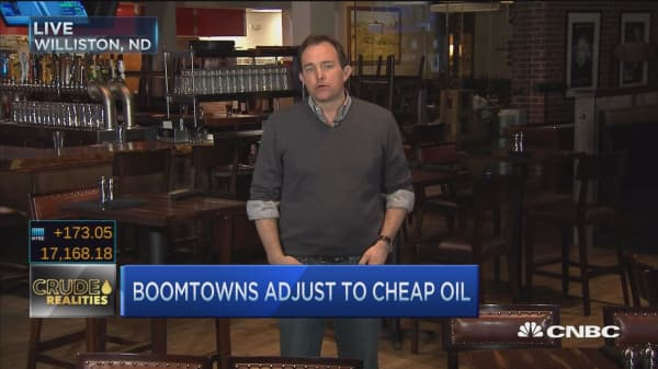 Boomtowns adjust to cheap oil