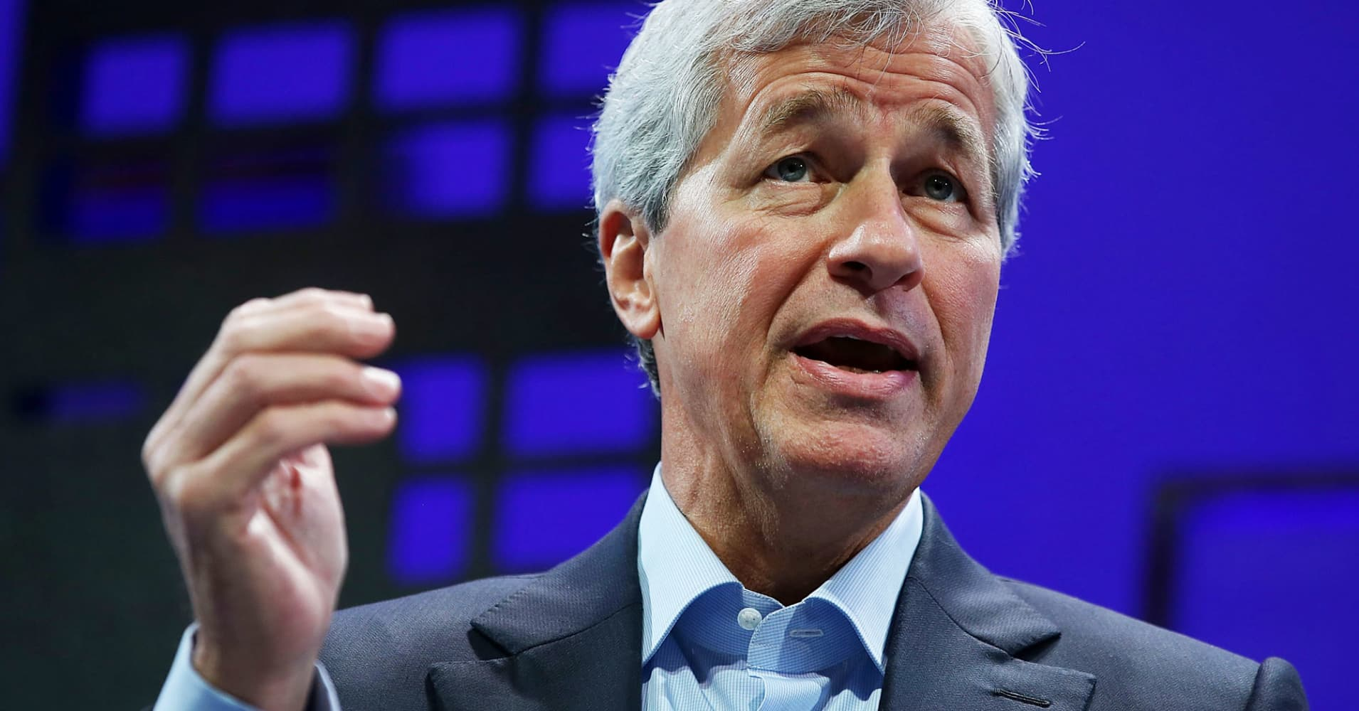 Jamie Dimon says if you're 'stupid' enough to buy bitcoin, you'll pay the price one day - CNBC