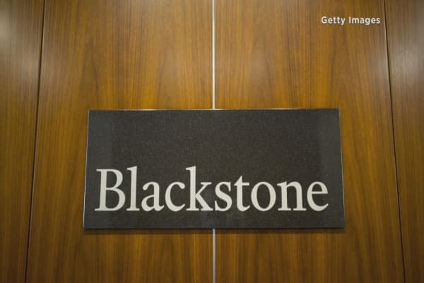 Blackstone to sell Strategic Hotels & Resorts to Anbang