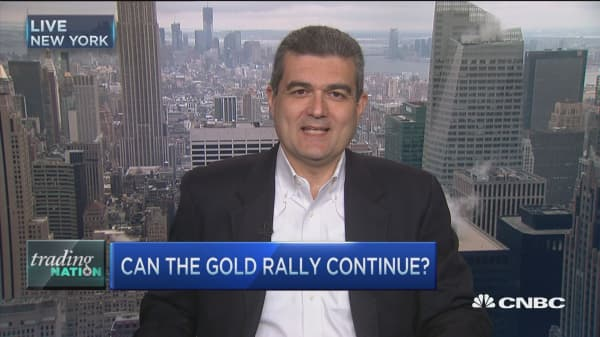 Bull loves gold's shift higher