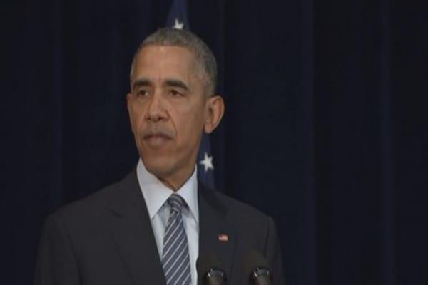 Obama slams 'vulgar and divisive' campaign trail