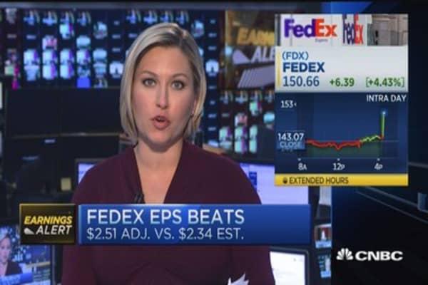 FedEx top & bottom line earnings beat