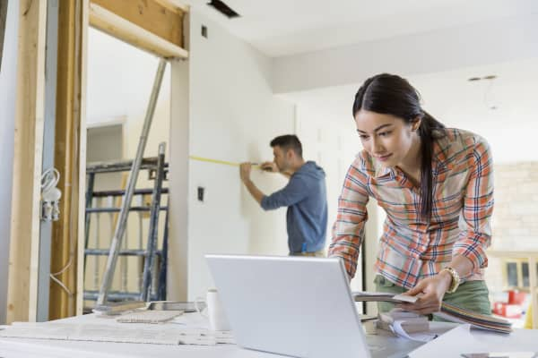 Where homeowners spend big on remodeling - Young couple modern homes ...
