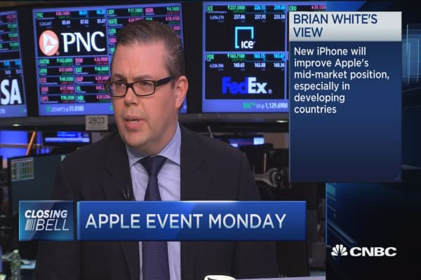 Will a new iPhone help or hurt Apple? Pros discuss