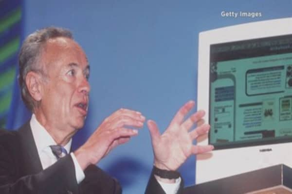 Former Intel CEO Andrew Grove dies at 79