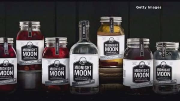 Carl's Jr. and Hardee's debuts Midnight Moonshine Burger