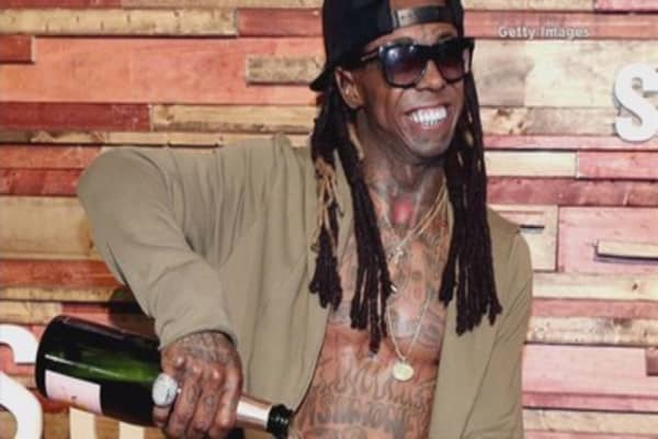 Lil Wayne helps Samsung showcase waterproof Galaxy S7