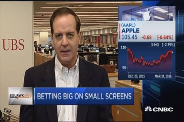 Betting big on small screens