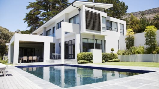 Luxury homes can 39 t keep up with high demand for Luxury home plans with cost to build