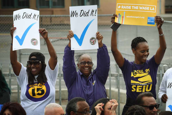 California to raise the minimum wage to $15.