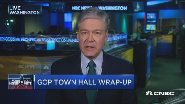 GOP candidates spar at town hall