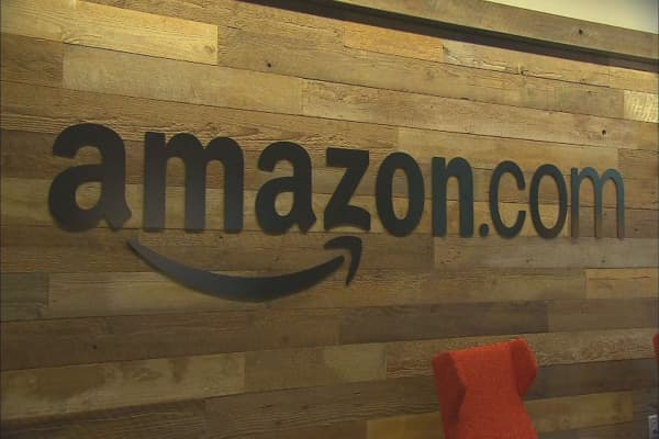 Amazon may buy stake in mapping company