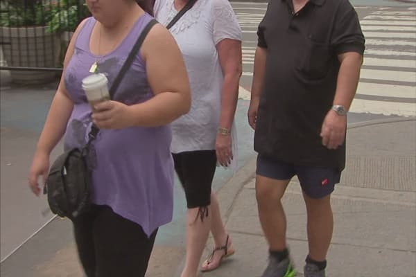 the obesity epidemic hitting america and how America's obesity epidemic hits the poor the hardest more and new research from the university of arkansas (ua) suggests that obesity does not affect all parts of the country equally.