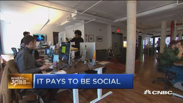 What a job? It pay to be social