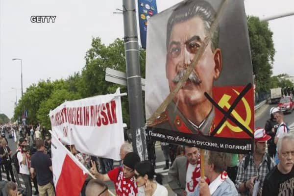 Russia angry over Poland's demolition plans