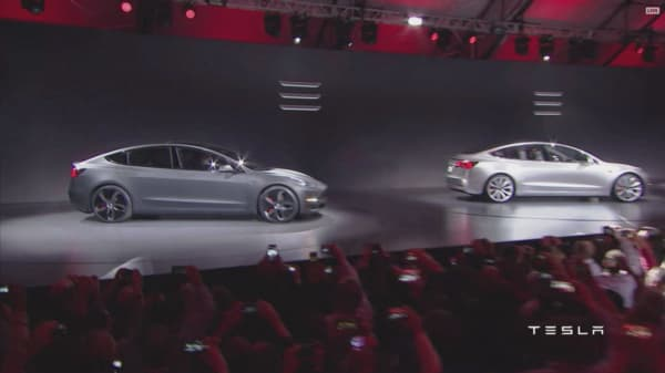 Analyst say Tesla may need to raise cash