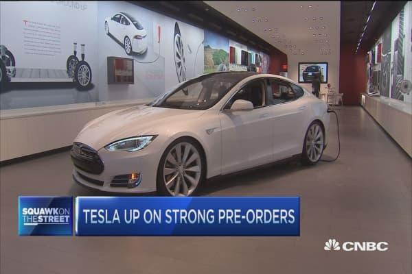 Cramer: Musk's Tesla 'a phenomenon'
