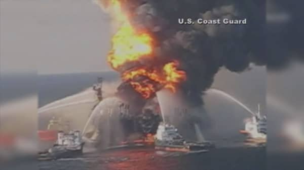 us judge approves bp settlement for 2010 gulf of mexico oil spill