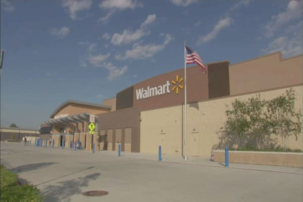 Food stamp cutbacks pose a challenge for Wal-Mart