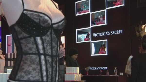 Victoria's Secret owner to reorganize