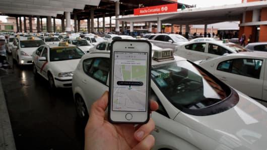 518492725PB022_Uber_Taxi_Ap