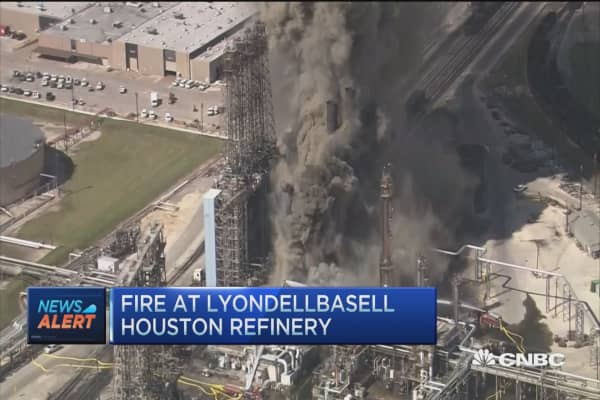 Fire at LyondellBasell Houston plant