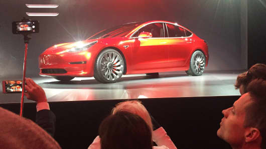 Tesla's Model 3 gets an 'average' as new tech dents auto reliability