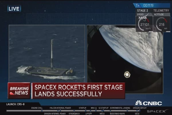 SpaceX rocket's first stage lands successfully