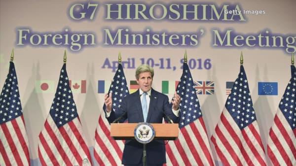 John Kerry makes historic visit to Hiroshima