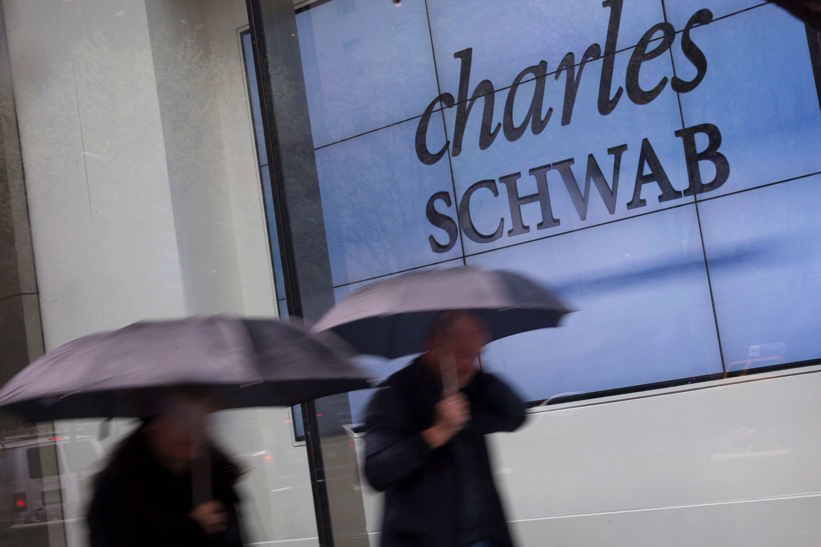 Charles Schwab Says It Is Experiencing Technical Difficulties