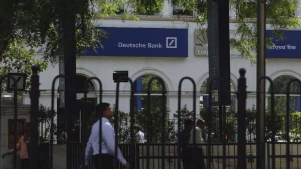 Deutsche Bank stops North Carolina expansion over anti-gay law