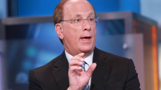 BlackRock's earnings rise but fall short of views