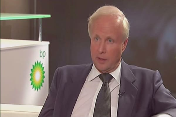 BP investors vote against CEO pay rise