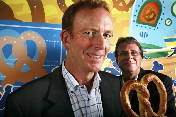 Bill Phelps, left, and Rick Wetzel, the co-founders of the Wetzel's Pretzel's bakery chain.
