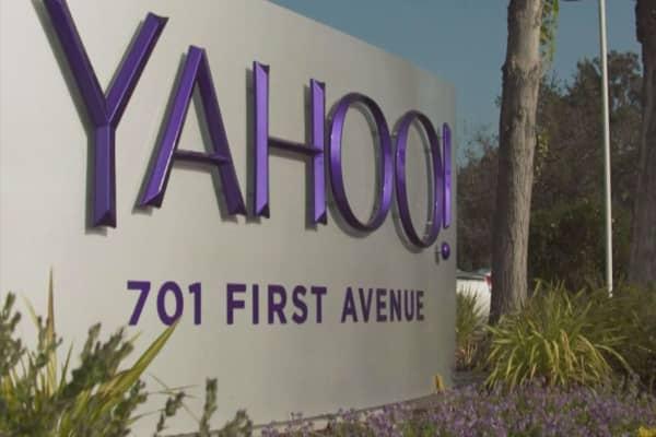 Verizon leading the Yahoo auction